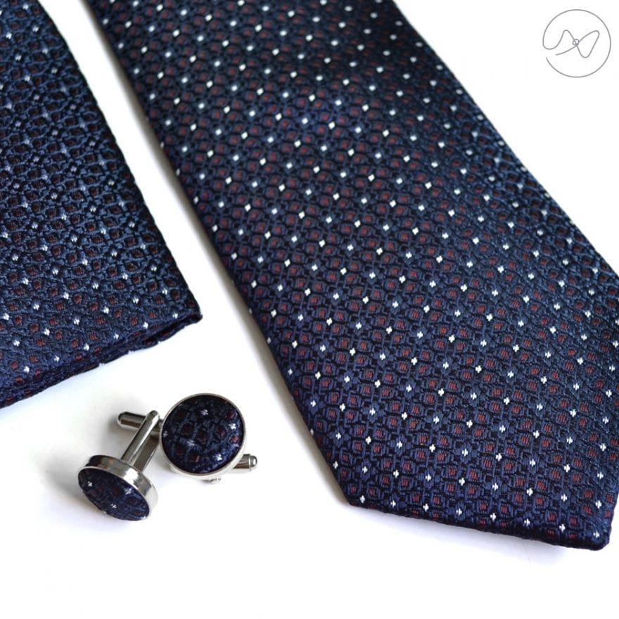 Seturi cu Cravata
